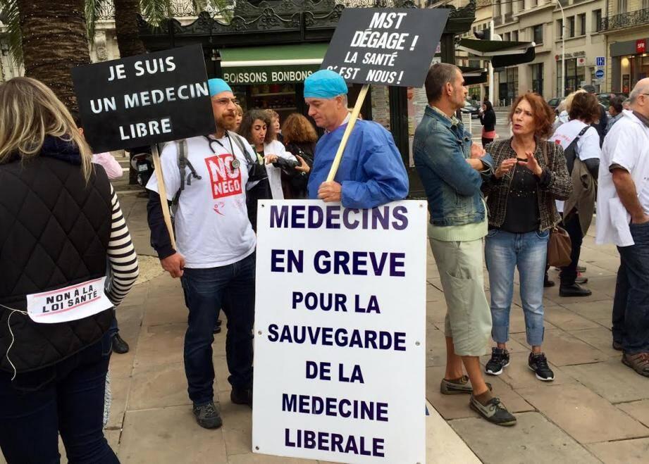 Les médecins et infirmiers libéraux en grève.