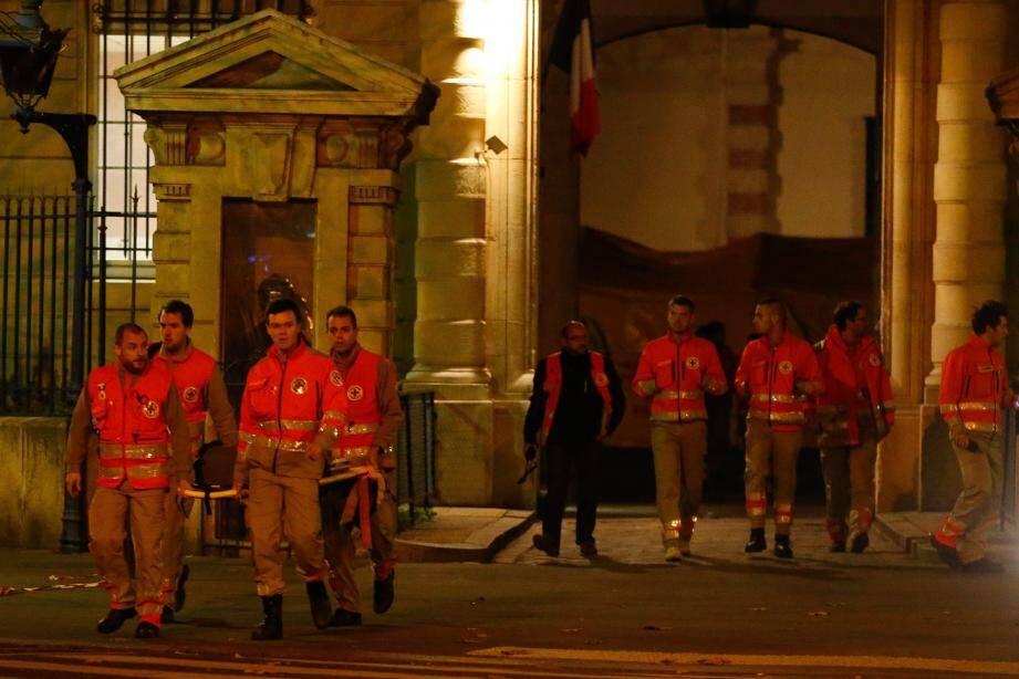 Paris attaques Croix Rouge