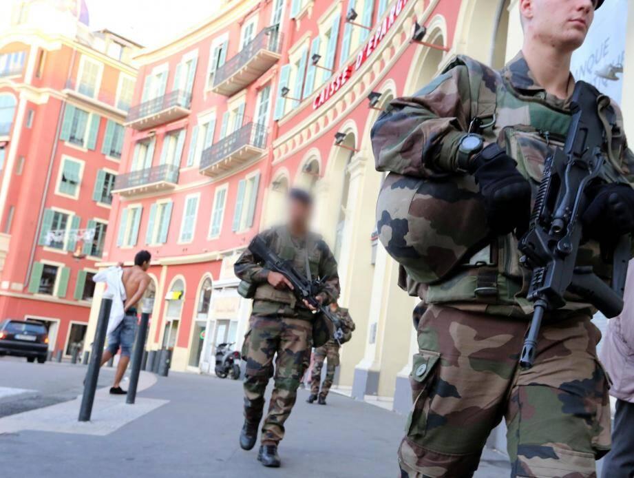 Les militaires déployés à Nice, dans le cadre de l'état d'urgence.