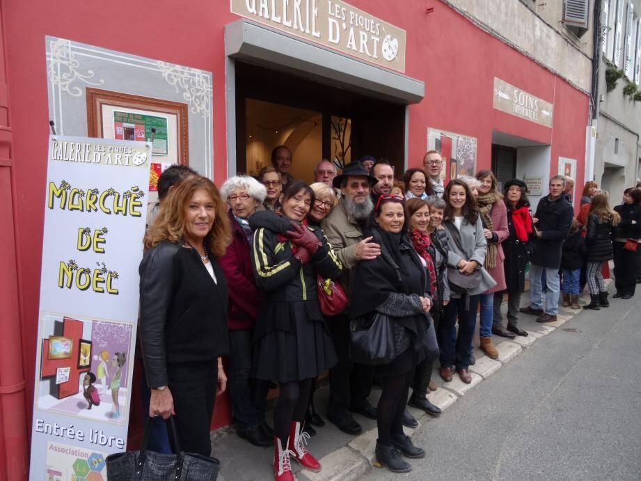 Le marché de Noël de l'association La Ruche a ouvert ses portes. Une belle initiative locale.