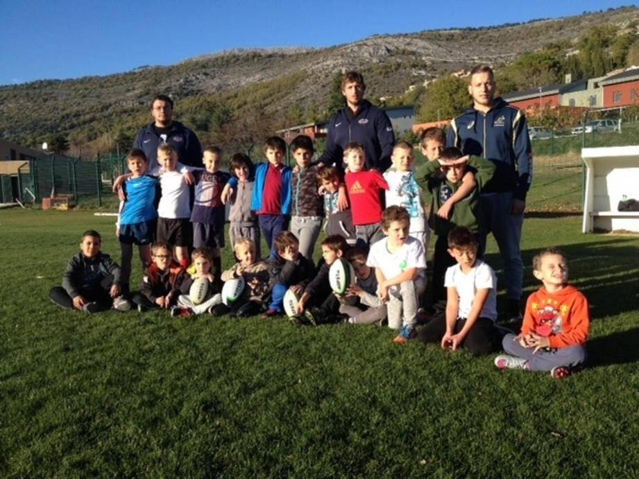Avec comme éducateurs du ROG, Yann Tivoli, Jimmy Scholtz et Vincent Cazals, les 6-10 s'éclatent les mardis et vendredi après-midi sur le terrain de foot de Saint-Vallier.