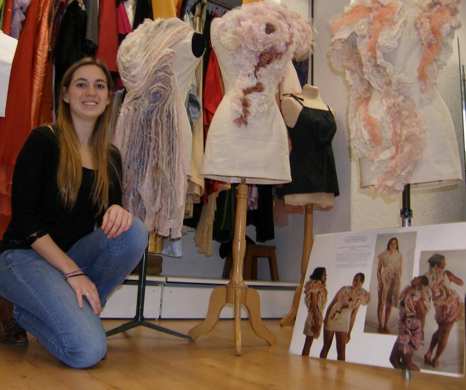 Azelina, 22 ans, a participé aux modèles floraux.