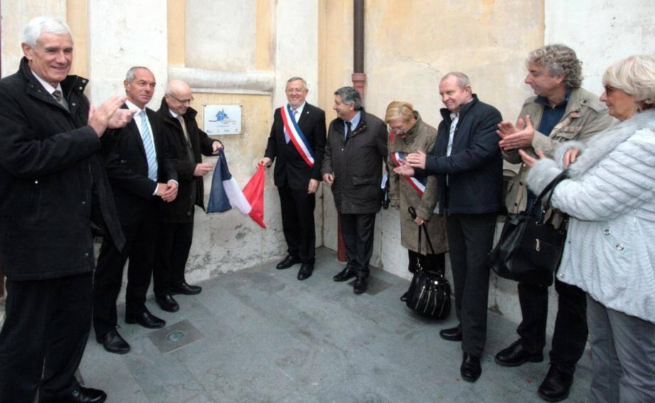 La plaque du prix départemental du concours des Rubans du patrimoine a été dévoilée sur la façade de la chapelle des pénitents noirs.