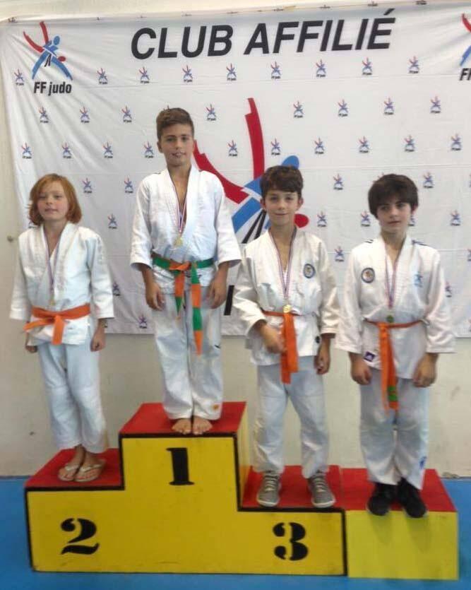 Sur le podium : keryan Viale (1er), édouard Vitale (3e) et Thibault Claramunt-Boyard (3e ex æquo).