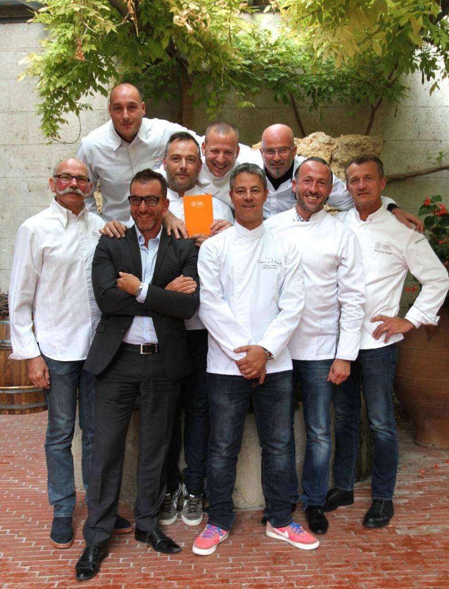 11 chefs signent un dîner d'exception au profit des Restos du Cœur.