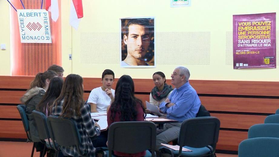 Discussion sur la prévention, mardi au lycée Albert-Ier.