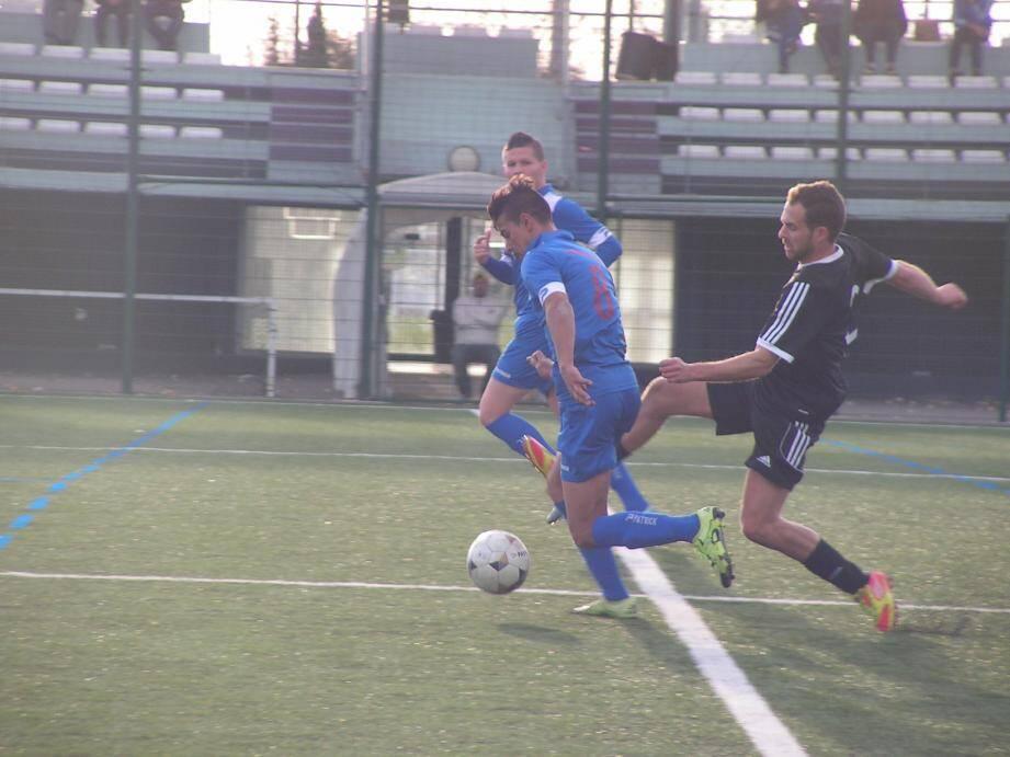 Face à Pernes-les-Fontaines, Bekki et le Gardia Club ont failli connaître un résultat aussi frustrant que celui de La Valette, qui s'est inclinée contre le cours du jeu face à Berre (0-1).