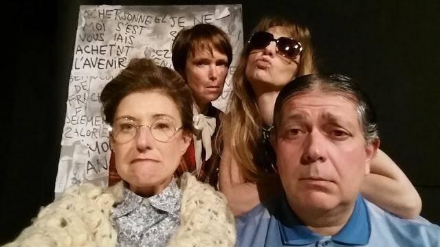 Jeff Buisson, Annabelle Charles, Pascale Mauvais et Catherine Le Dû  : le quatuor d'acteurs de « Moulins à paroles », d'Alan Bennett, une comédie à sketches mise en scène par Dominique Czapski.(DR)
