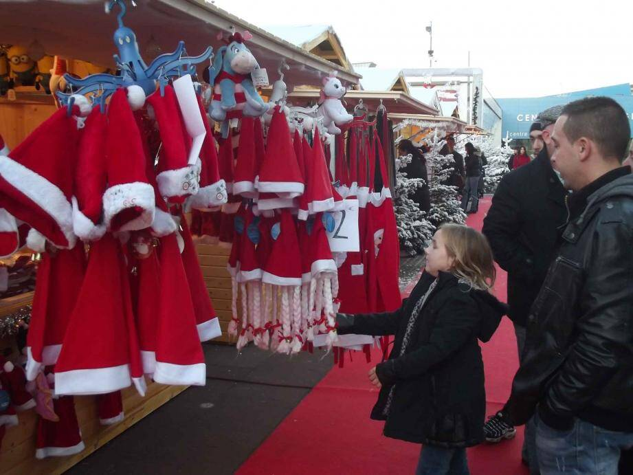 Jusqu'au 27 décembre, le village de Noël s'installe sur le parking de la Siagne.