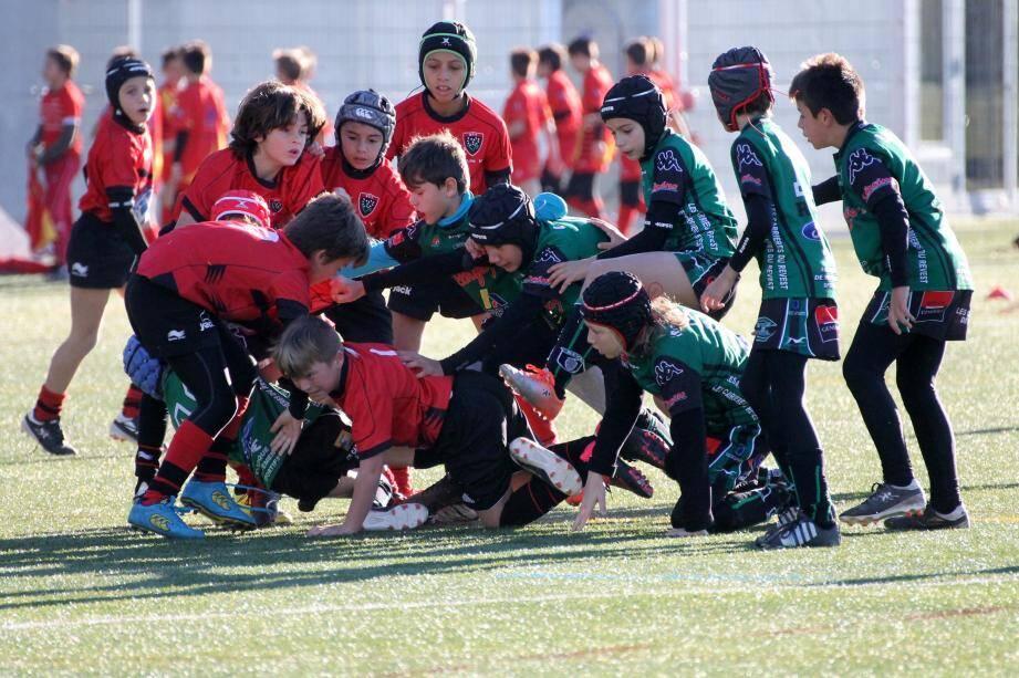 Comme ici les Valettois/Revestois et le RCT, les matchs du week-end sont toujours très attendus pour les jeunes passionnés de rugby.