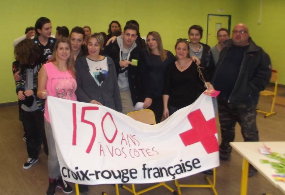 Les élèves infirmiers de La Croix-Rouge à Ollioules ont apporté leur contribution à cette journée d'information.