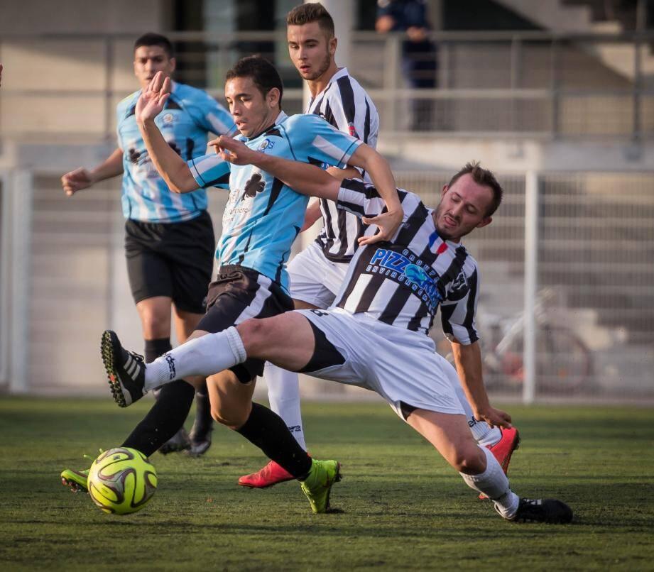 Raveloarijaona et ses partenaires espèrent bien retrouver l'efficacité offensive qui fait actuellement défaut aux Mentonnais.