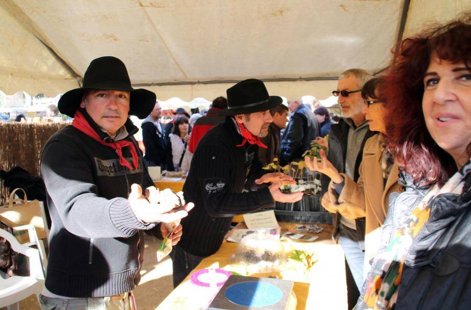 Le marché de la truffe attire les touristes au Rouret.(archives NM)