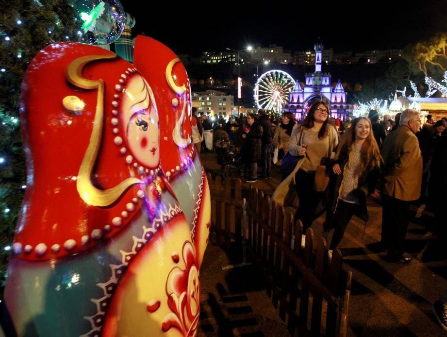 Le village de Noël a ouvert ses portes hier soir sur le quai Albert-Ier, à la grande joie des premiers visiteurs.