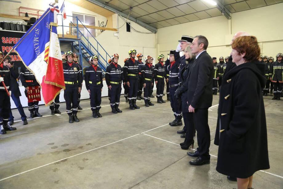 Les autorités ont rendu hommage au drapeau et aux personnels du corps.