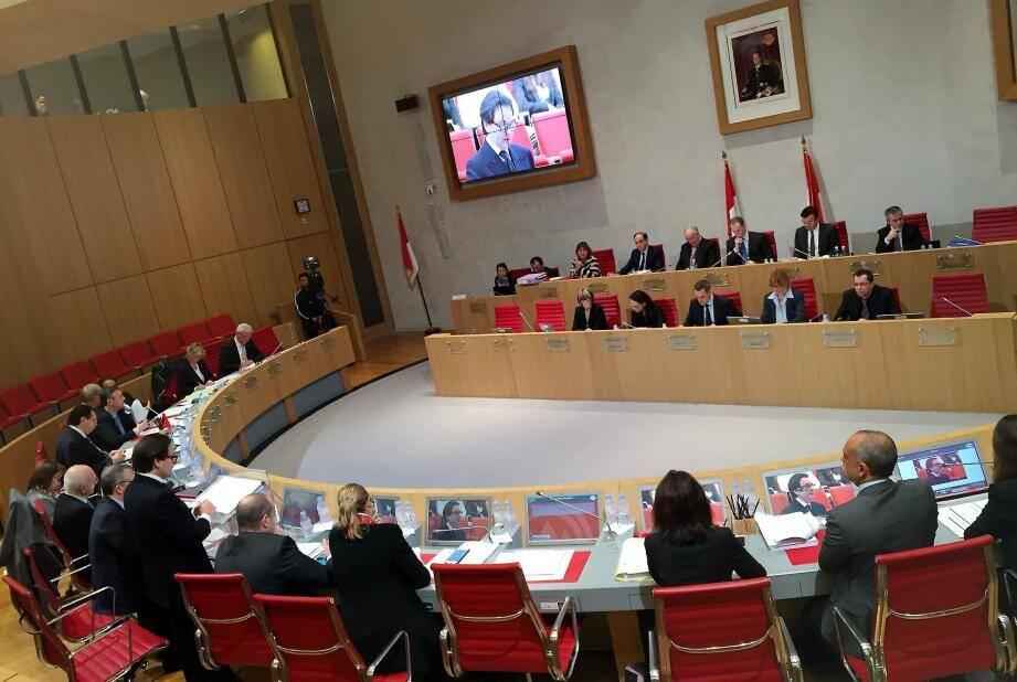 L'examen du budget rectificatif, démarré lundi soir, reprend aujourd'hui à 17 heures au Conseil national.