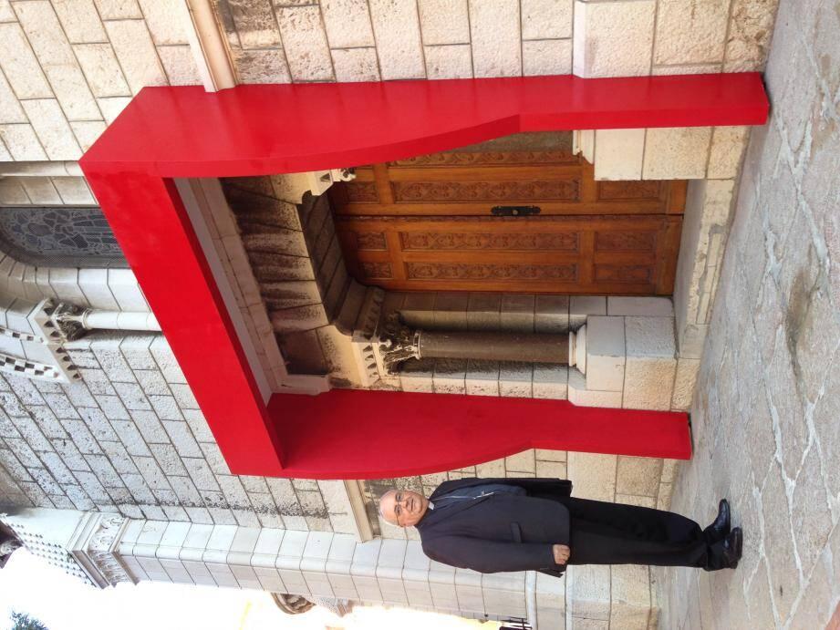 L'archevêque de Monaco invite tous les chrétiens à venir franchir la Porte sainte, sur le flanc droit de la cathédrale, à partir de ce dimanche 13 décembre, 16 h.