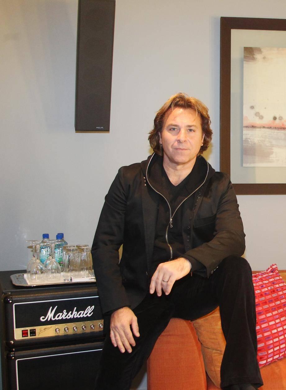 Roberto Alagna a démarré l'enregistrement de l'émission à la Salle des Etoiles.