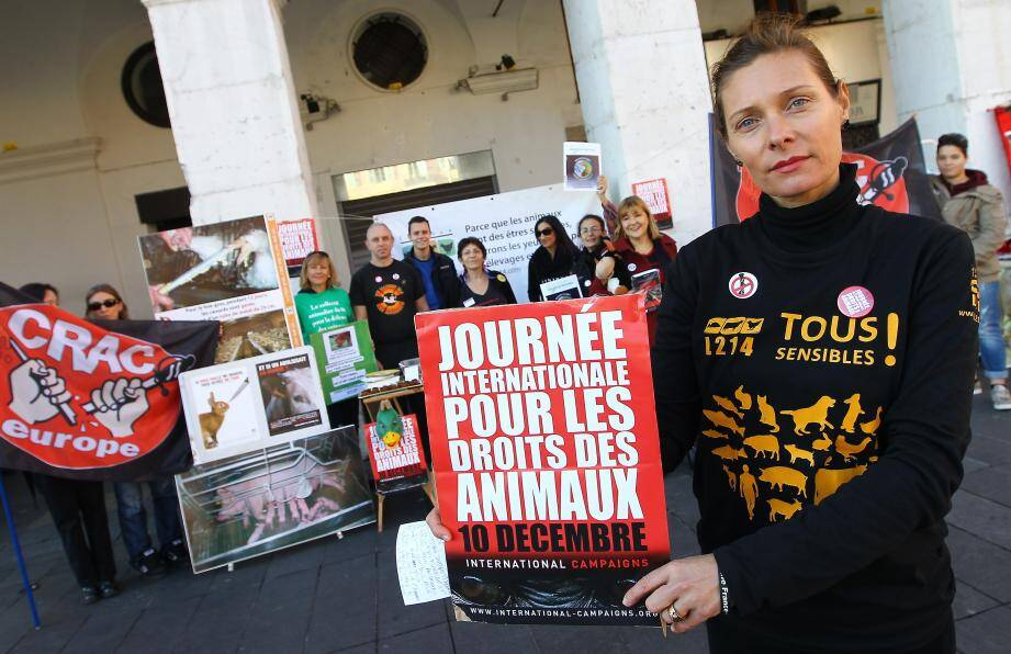 Ghislaine Durand, coordinatrice régionale de l'association L214, souhaite que les animaux ne soient plus traités comme des marchandises, mais des êtres vivants.