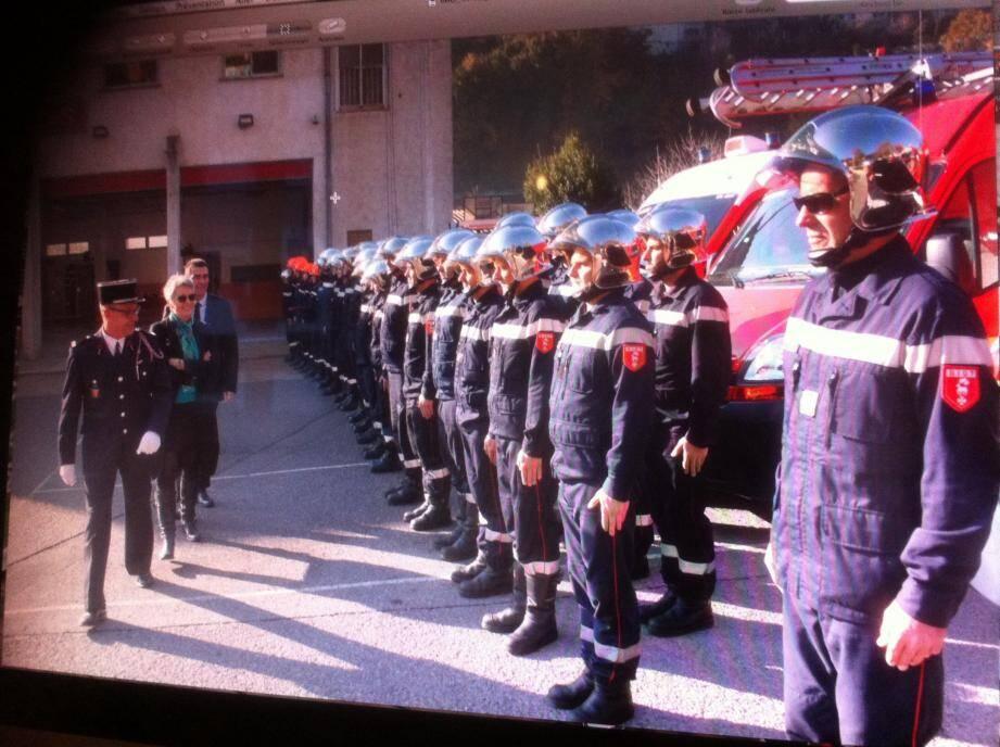 Les sapeurs-pompiers ont été remerciés pour leur dévouement lors des terribles inondations du mois d'octobre.