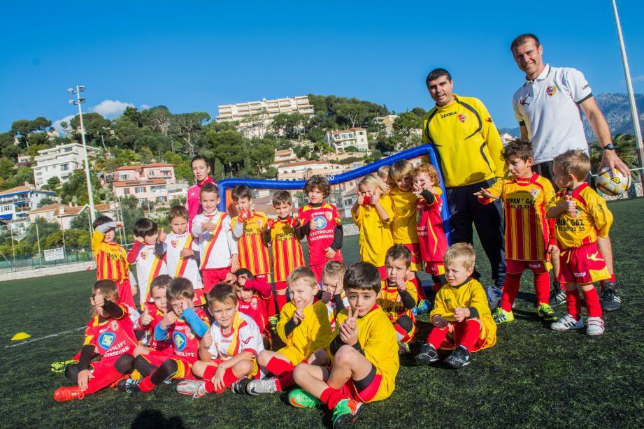 Le plaisir de jouer est présent chez tous les enfants de l'école de football de l'ASRCM.