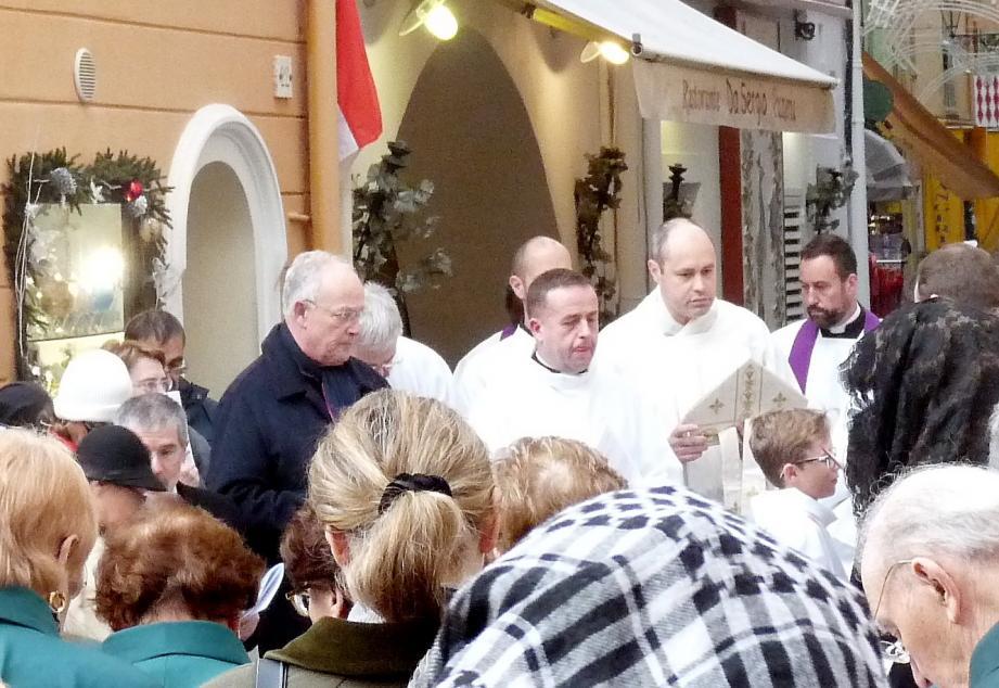 Dimanche dernier, le ministre d'État faisait partie de la procession organisée dans les ruelles de Monaco-ville à l'occasion de l'ouverture de la Porte sainte.
