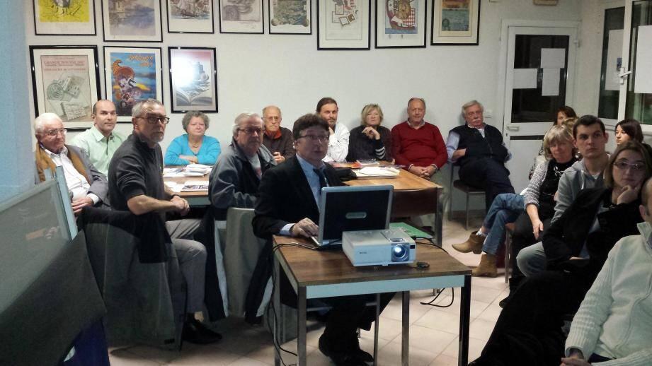 Yves Brugière, président du Groupe numismatique de Provence, a effectué un exposé complet sur les jetons de casino.(DR)