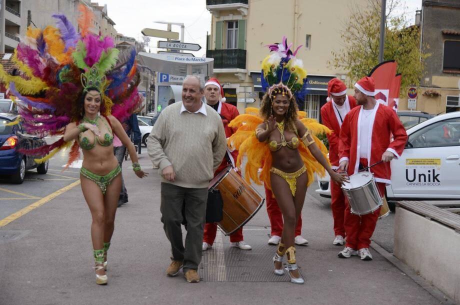 Lancée lundi après-midi par des danses brésiliennes et Pères Noël entourant Philippe Peraire, la Quinzaine commerciale à la Bocca a l'ambition de dynamiser les achats de Noël.