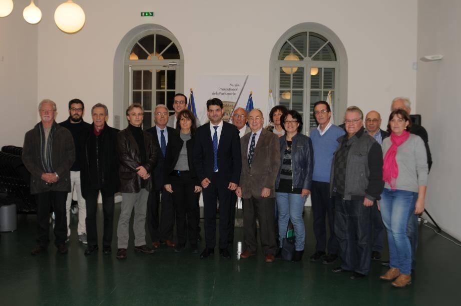 Les membres du tout nouveau conseil de développement autour de Jérôme Viaud, maire de Grasse et président de la communauté d'agglomération du Pays de Grasse. (DR)