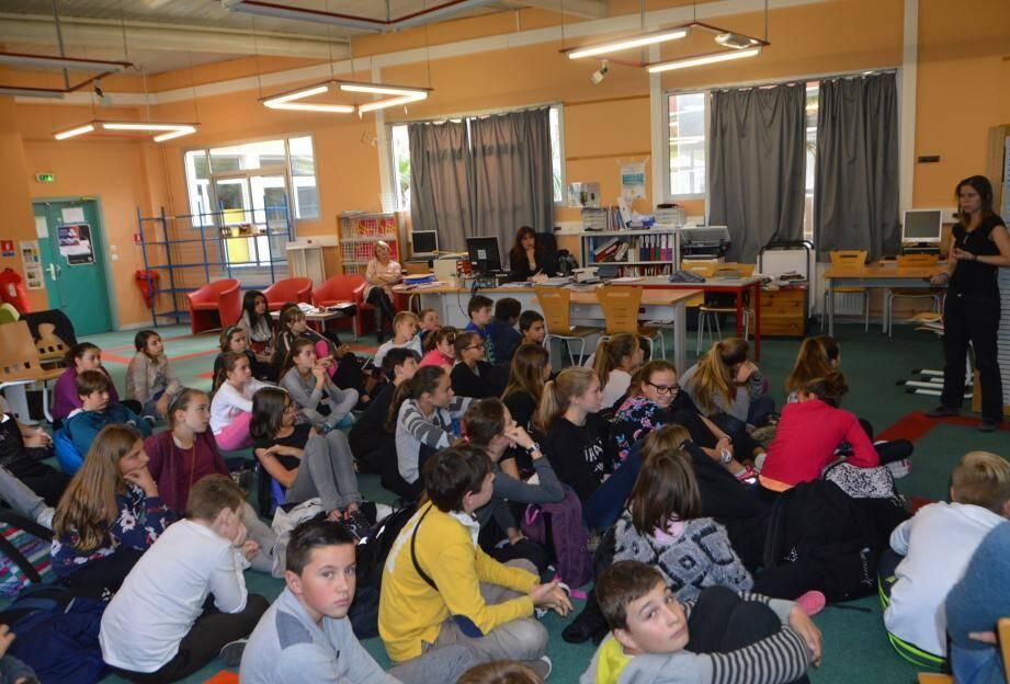 Les élèves de cinquième ont été très attentifs et participatifs lors de leur rencontre avec Noémya Gohan.
