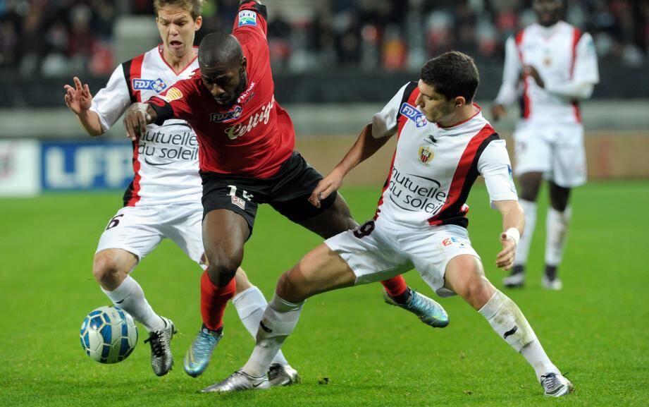 Le doublé du Guingampais Yannis Salibur a empêché le Gym de regoûter à la victoire mardi. Le dernier succès des Aiglons remonte au 20 novembre, contre Lyon (3-0).
