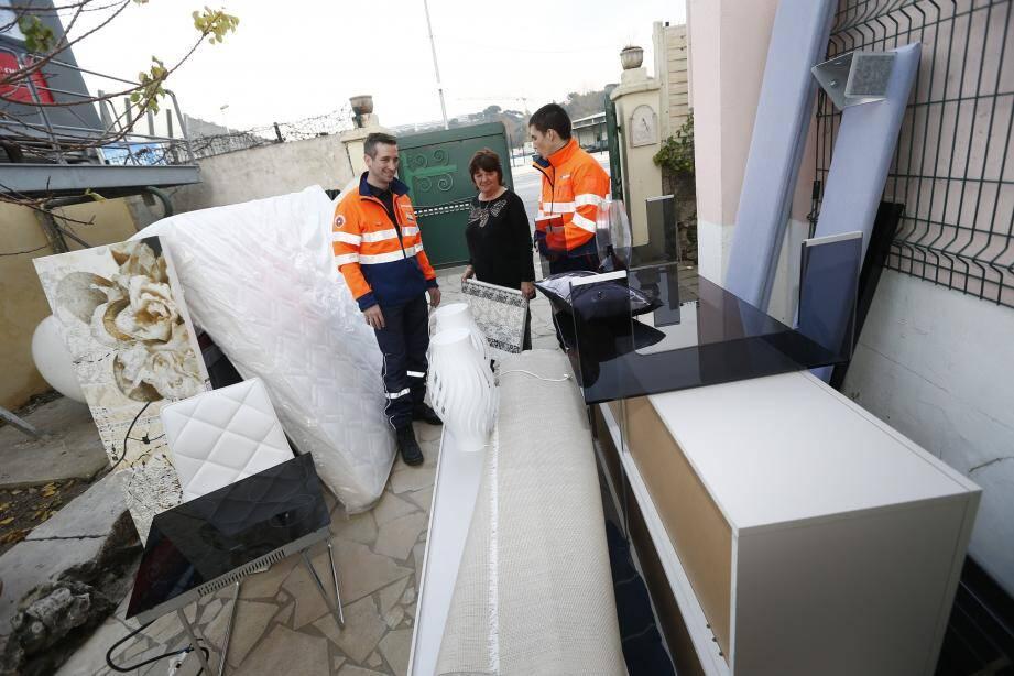 Une famille sinistrée a pu récupérer l'intégralité du mobilier présent dans un appartement témoin.