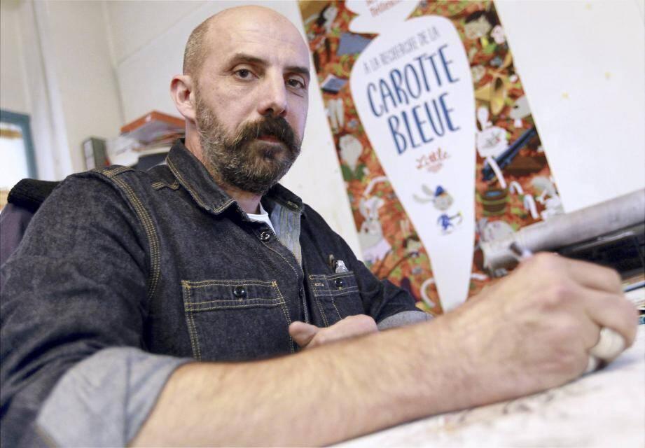 C'est dans l'atelier « Le bocal », au cœur du Vieux-Nice, que Sébastien Telleschi donne vie à ses illustrations qui rencontrent un beau succès dans l'univers de l'édition Jeunesse.(Ph. J-F Ottonello)