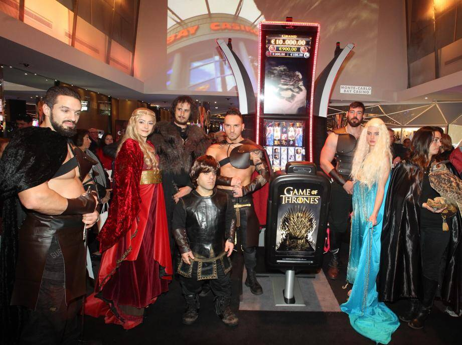 Mercredi soir, lors de la présentation des nouvelles machines à sous estampillées Game of Thrones.(Photo Cyril Dodergny