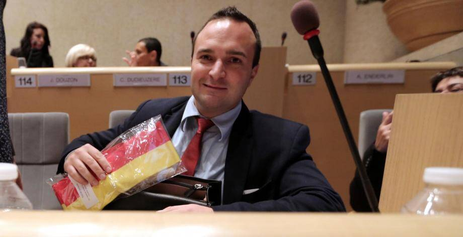 Premier mandat et premiers pas hier pour le Varois, élu du FN.