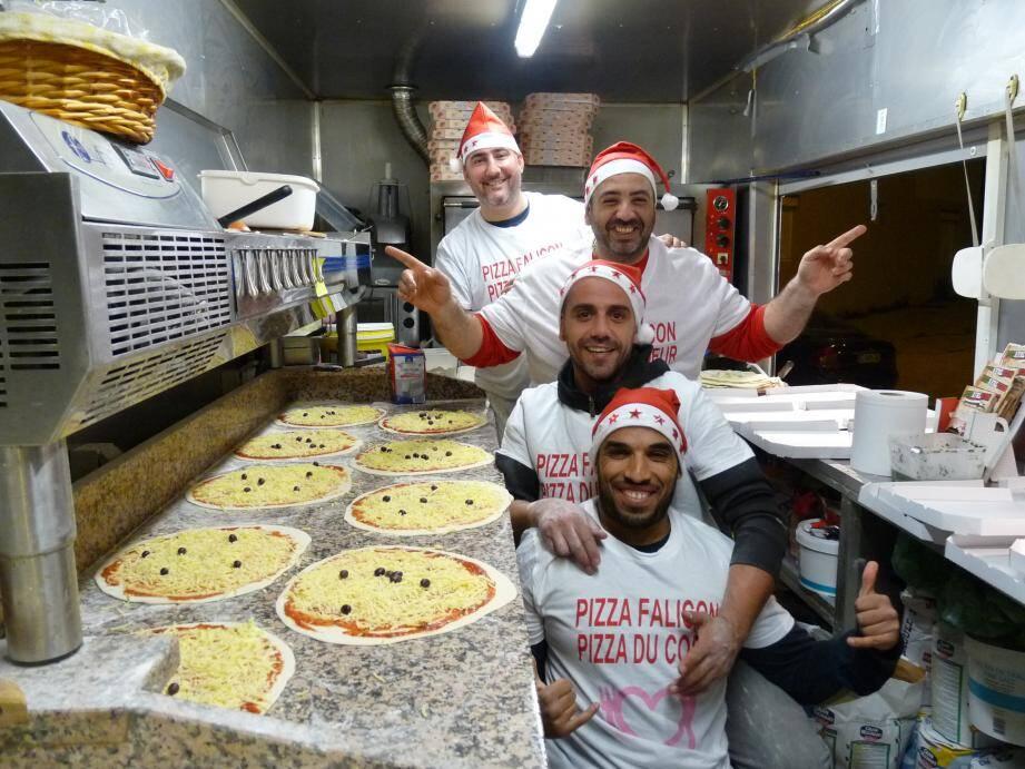 L'équipe des Pizzas du cœur dans leur camion sur le boulevard Comte-de-Falicon à Nice. Puis, au côté du Secours populaire pour la distribution aux démunis devant l'église du Vœu. Photos François Vignola et T. S.