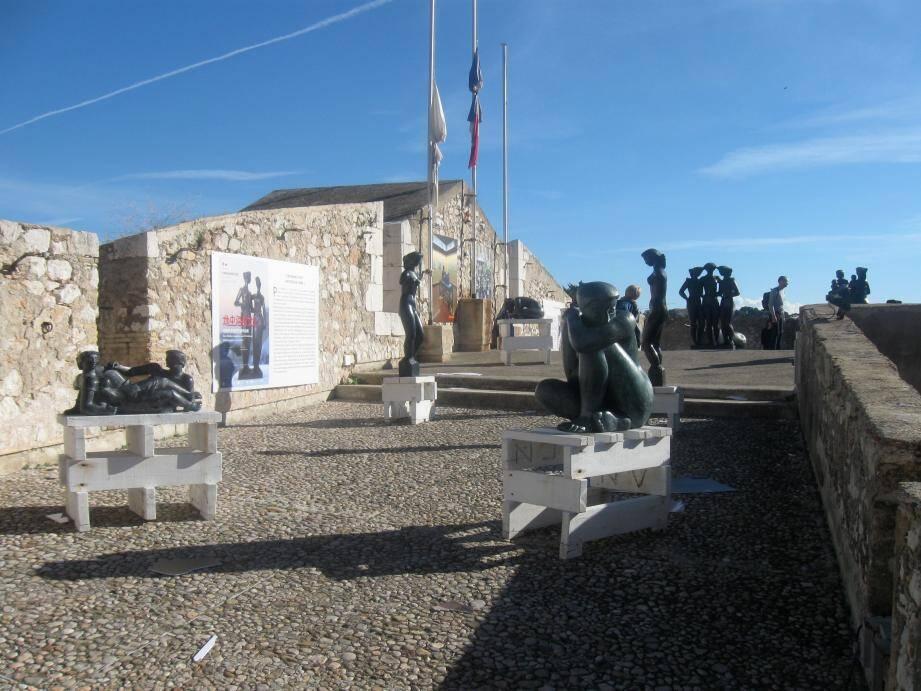 La réhabilitation de la citadelle devrait se poursuivre jusqu'en 2030.