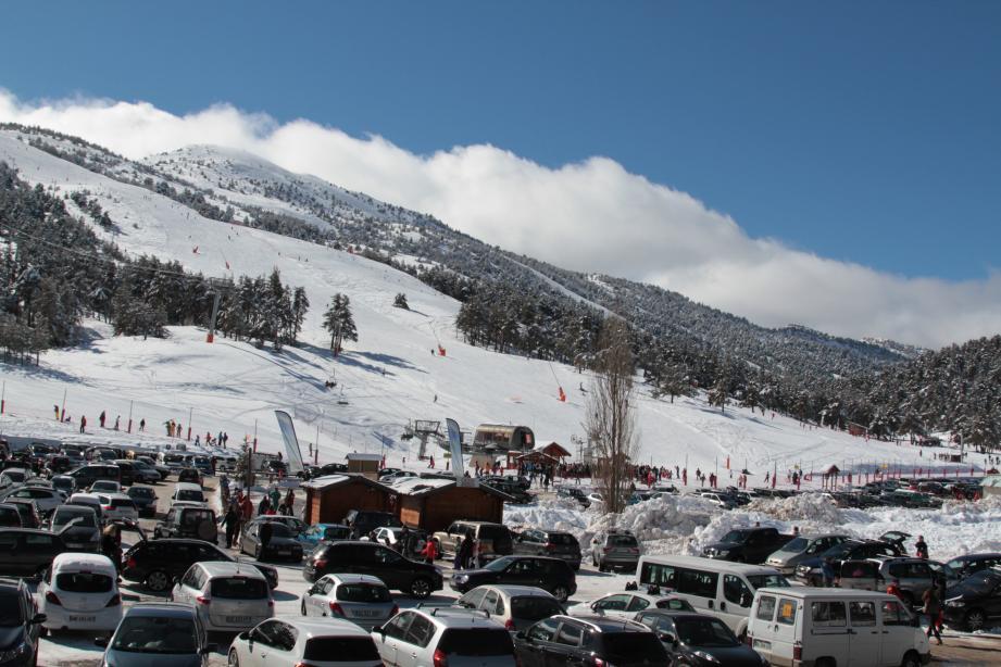 Bientôt plus besoin de prendre la voiture pour aller skier, la Casa met en service une navette au départ d'Antibes pour rallier Gréolières-les-Neiges.