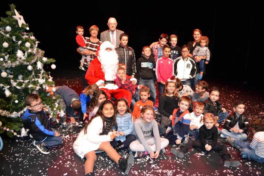 Une centaine d'enfants ont été gâtés par le Père Noël à l'Espace culturel et sportif du Val de Siagne.