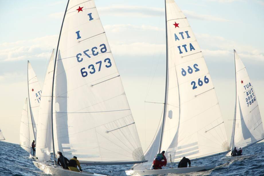 La flotte de la 59e Régate de Noël de Nice a rangé les voiles hier, à l'issue de trois jours de compétition intense. L'équipage niçois est allé chercher une valeureuse quatrième place.