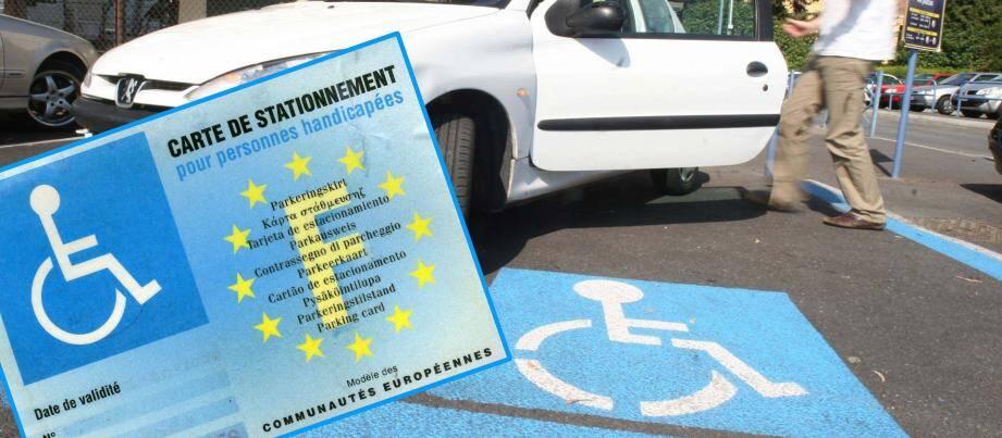 Carte de stationnement pour personnes handicapées.