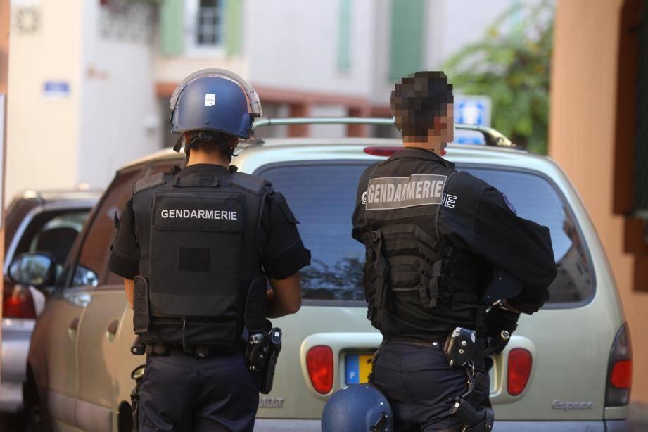 Des gendarmes lors d'une perquisition / Illustration