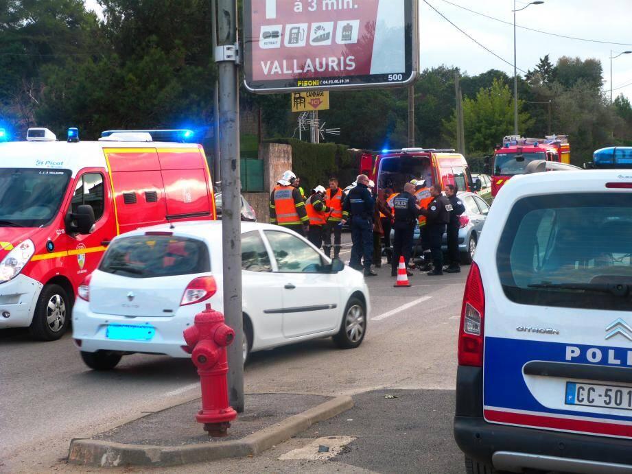 Deux passagers d'un scooter ont été blessés hier sur le chemin Saint-Bernard àVallauris.