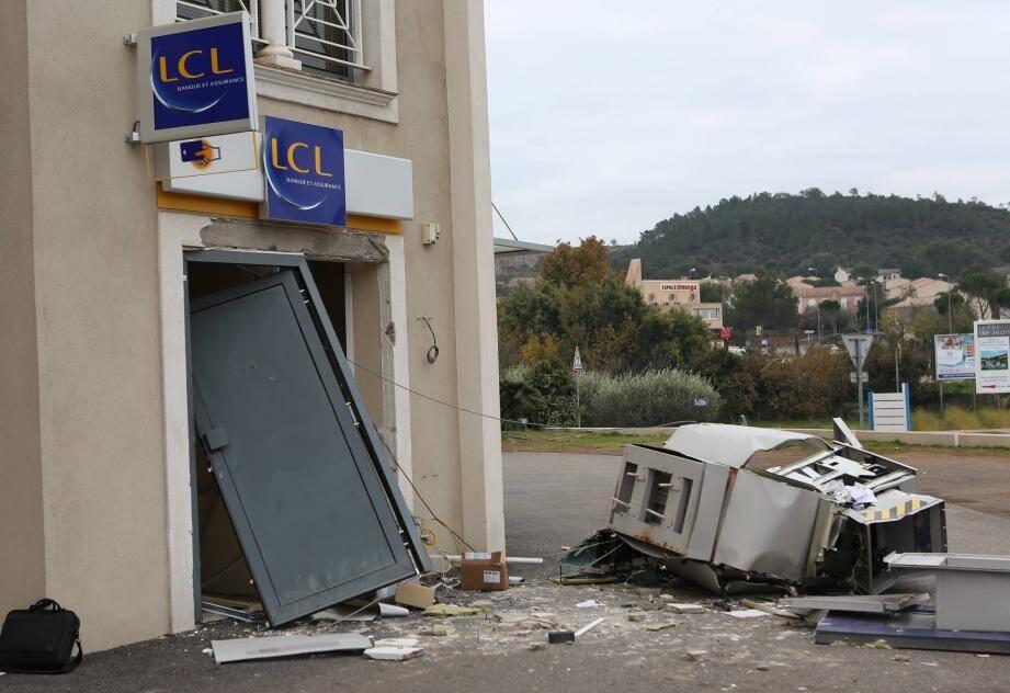 Distributeur boulevard du Cerceron.