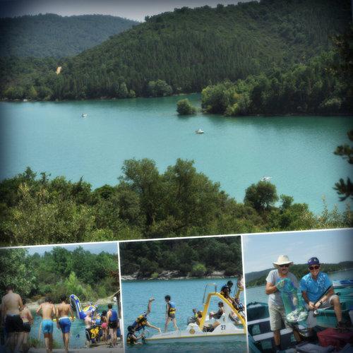 Faire du pédalo, de l'aviron, se rafraîchir ou tout simplement pour aller pêcher, le lac Saint-Cassien émerveille toujours autant petits et grands.