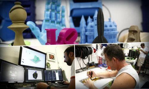 Les imprimantes produisent elles-mêmes les pièces de leurs futurs clônes. Une prouesse rendue possible par la précision dont son capables les modèles niçois.