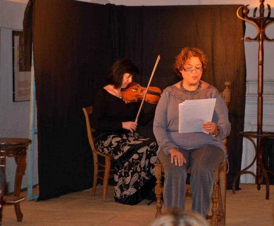 Ventzislava Choykova et Brigitte Mselatti interprètent en musiques et en lectures le Journal d'Anne Franck.