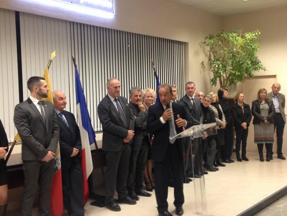 Lors de cette cérémonie, l'élu a évoqué les grands projets à venir, dont la construction d'une nouvelle piscine au même endroit que l'ancienne piscine Tournesol.