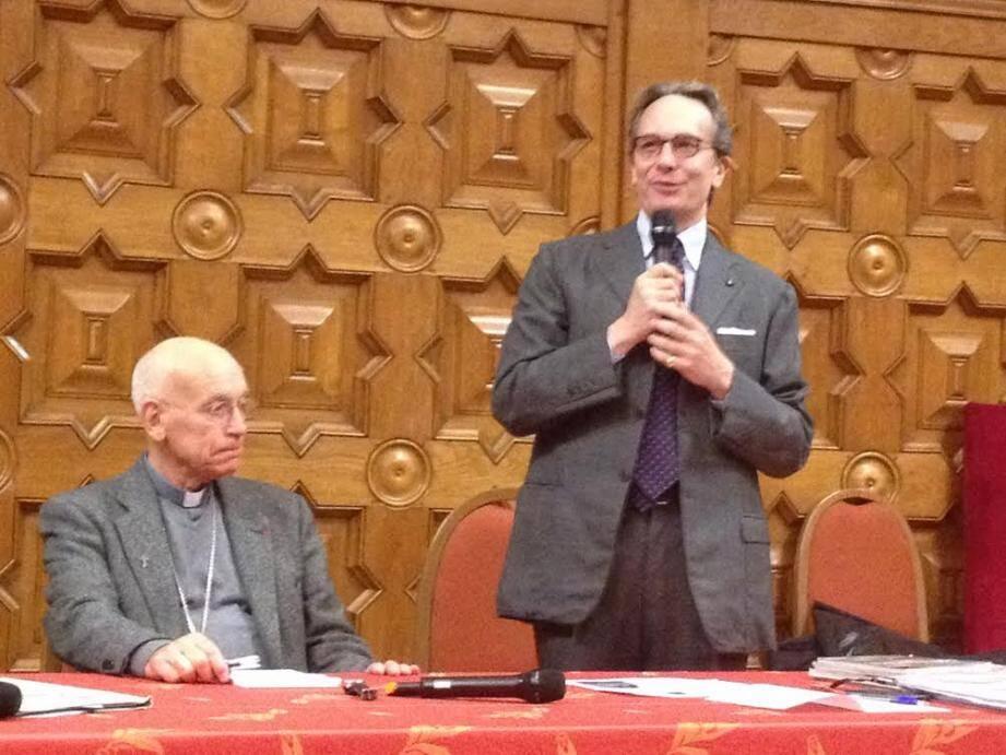 Mgr André Marceau, évêque de Nice et le Dr Alessandro de Franciscis, médecin croyant : pour eux, à Lourdes, le miracle est permanent...