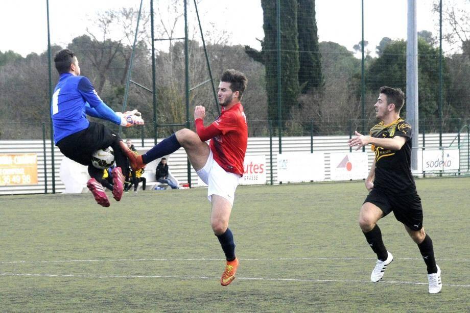 Quentin Marconnet est resté muet hier face à Fos mais a pesé sur la défense adverse.